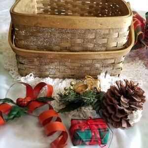 CHRISTMAS IVY, BASKET, BOWS GLITTERY DECOR